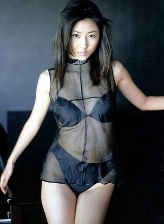 変わった水着の菊川怜